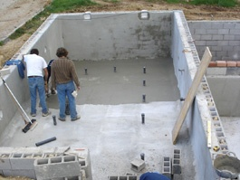 Enfoscado e hidrofugado en la construcción de una piscina